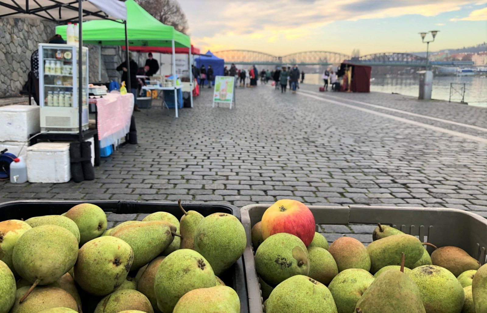 Saturday, May 8 at Náplavka – the farmer's market will be happenning, you can find details and a list of sellers in the article below.