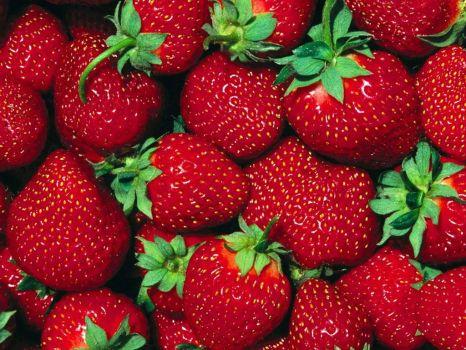 Sobota 12. 6. na Heřmaňáku – Kunratické jahodářství bude mít celou letní sezonu přímý prodej na našem farmářském trhu, přísun nejlepších jahod zajištěn :) .